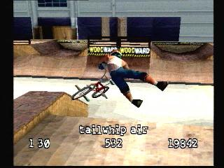Screenshot Thumbnail / Media File 1 for Dave Mirra Freestyle BMX [U]